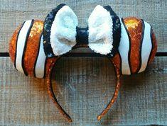 Nemo Inspired Ears by EverAfterByPatti on Etsy Diy Mickey Mouse Ears, Diy Disney Ears, Disney Mickey Ears, Disney Diy, Disney Crafts, Disney Trips, Disney Stuff, Disney Cruise, Disney Land