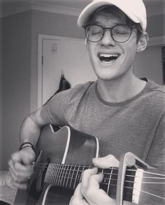 6f6cceef07 Now your looking pretty in a hotel bar..  singingmood  fullcovertuesday  Jacko Brazier
