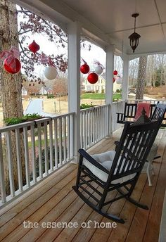 13 Stunning Christmas Porch Decor Ideas & A Whole Bunch Of Christmas Porch Decorating Ideas | Pinterest ...