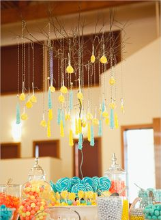 Aquamarine, yellow and peach candy bar!  Pretty.