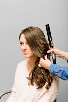 """how to """"piggy back"""" your curls to make soft, holiday waves {great tips}"""