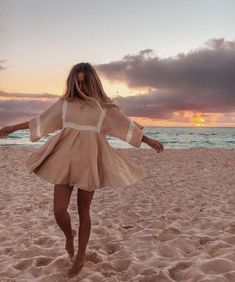 Beachy Outfits Discover Boho Patchwork Lace Dress O-Neck Kimono Boho Patchwork Lace Dress O-Neck Kimono TopFashionova Shotting Photo, Summer Outfits, Summer Dresses, Races Dresses, Beach Outfits, Mode Boho, Mode Outfits, Looks Style, Dress To Impress