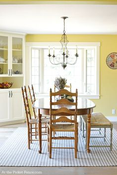 Beautiful farmhouse dining room makeover with amazing before and after photos!