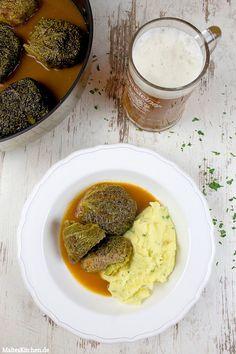 Wirsingrouladen mit Wildschweinhack in Biersauce und Petersilien-Kartoffelbrei. | malteskitchen.de