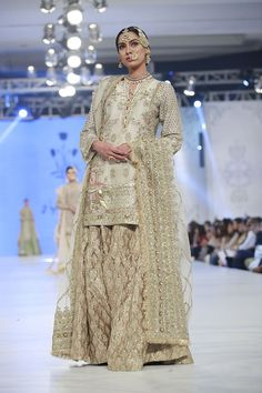 Zara Shahjahan Collection Loreal Paris Bridal Week 2016 Pics