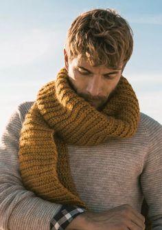 Sandnes Garn - great scarf design for men& scarf Mens Scarf Fashion, Stylish Mens Fashion, Knit Fashion, Mens Fashion Trends 2019, Mens Trends, Crochet Mens Scarf, Hand Knit Scarf, Crochet Scarfs, Ideas Bufanda