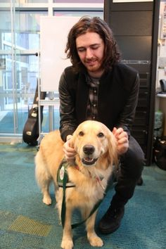 """Hozier Sings 'Take Me To Church' At Seacrest Studios in Atlanta """"Hozier stopped by Seacrest Studios at Children's Healthcare of Atlanta to give a beautiful performance of 'Take Me To Church' and to. Beautiful Soul, Beautiful People, Bog Man, Irish Rock, Take Me To Church, Irish Men, Attractive People, White Boys, Music Love"""