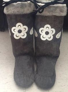 Inuit made women's sealskin kamiks by Nora SP