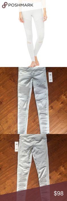 Brand New Alo Yoga Moto Leggings L Brand new with tags  Alo Moto Leggings  Size Large  Vapor Grey / Vapor Grey Glossy ALO Yoga Pants Leggings