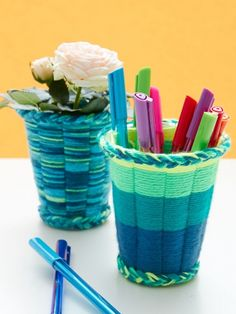Kids Crafts Easy Yarn - Easy crafts With Yarn Easy Yarn Crafts for Kids Cup Weaving Tutorial.Kid Stitches: Finger Knitting projects to keep them busy this summer - Easy Yarn Crafts Nit easy to cut the cup right and unweildy to weave, i ended up jist doing Easy Yarn Crafts, Yarn Crafts For Kids, Fun Crafts, Arts And Crafts, Kids Diy, Simple Crafts, Decor Crafts, Summer Crafts, Weaving Projects