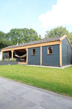 Tuininspiratie: onze tuinverbouwing en veranda - Follow Fashion Garage Doors, Shed, Outdoor Structures, Interior Design, House Styles, Outdoor Decor, Julie, Home Decor, Houses