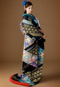 "Uchikake Kimono ~ Mik's Pics ""Japan l"" board Yukata, Japanese Wedding Kimono, Kimono Japan, Kimono Design, Japanese Textiles, Sari, Japanese Outfits, Japanese Clothing, Kimono Dress"