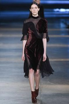 Christopher Kane Fall 2015 Ready-to-Wear Fashion Show: Complete Collection - Style.com
