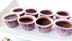 Grunnoppskrift på hjemmelaget sjokolade #Kakao #supermat | Økøsjokolade Cakes And More, Mini Cupcakes, Desserts, Food, Tailgate Desserts, Deserts, Meals, Dessert, Yemek