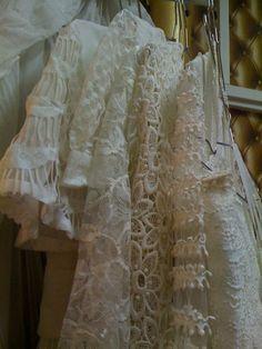 ... vintage 14 rue du surmelin 7520 Paris Robe de mariée vintage