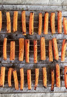 Hot Dogs, Carrots, Vegetables, Ethnic Recipes, Food, Red Peppers, Essen, Carrot, Vegetable Recipes