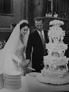 Princess Nevine Abbas Halim of Egypt wedding Wedding Bouquets, Wedding Gowns, Wedding Cakes, Royal Weddings, Vintage Weddings, Ancient Egypt History, African Royalty, Royal Beauty, Royal Tiaras