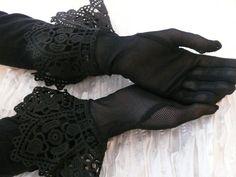 Black Vintage style Lace Gloves