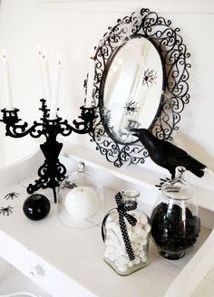 Marvelous 55+ Elegant Halloween Decor Ideas For Fantastic Home https://freshoom.com/12748-55-elegant-halloween-decor-ideas-fantastic-home/