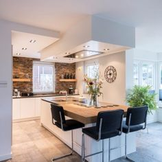 Inspiring points that we adore! Rustic Kitchen Design, Interior Design Kitchen, Cuisines Design, Open Plan Kitchen, Kitchen Styling, Home Kitchens, Kitchen Remodel, Sweet Home, Ibiza Style Interior