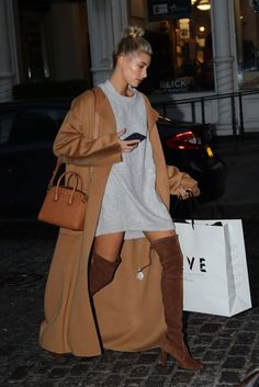 Hailey Baldwin Out Shopping At Curve In New York - October 23, 2016 - StalkCelebs... - Celebrity Street Style
