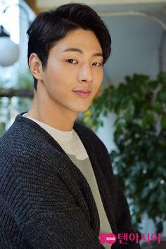 Korean Male Models, Korean Celebrities, Korean Men, Asian Men, Celebs, Drama Korea, Korean Drama, Asian Actors, Korean Actors