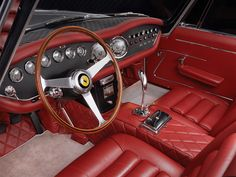 I think if I had an interior like this I would never get out of my car.