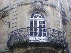 Balcon, rue Fernand Philippart, angle des rues des Capérans et du Puits Descujols, Bordeaux, Gironde, Aquitaine, France. | Flickr : partage ...