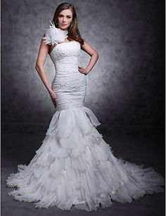 Trumpet/ Mermaid One Shouler Court Train Organza Tiered Wedding Dress