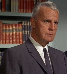 For you TV Batman enthusiasts - here's one I bet you know --- remember Commissioner Gordon? He was Batgirl's (Yvonne deCarlo) daddy - 20s-40s film actor Neil Hamilton played him.