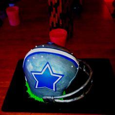 Dallas Cowboys Helmet Cake.. I want this for my birthday :)