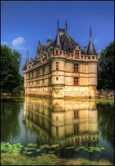 FunStocki: The castle of Azay-le-Rideau, France