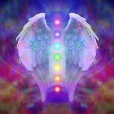 SANACIÓN CON ÁNGELES Y ARCÁNGELES: son presencias distinguidas por su belleza, irradian compasión y ternura. Son seres inteligentes, llenos de incondicional amor, existen en una frecuencia vibratoria más sutil, por lo que no los vemos o escuchamos. Son protectores que nos acompañan dispuestos a darnos su infinita paciencia, su guía y comprensión. Mensajeros deseosos de mostrarnos los caminos que nos guían hacia nuestro despertar divino, para ayudarnos.