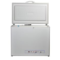 Smad Compact Single Door Chest Freezer AC/LPG 2 Way cu. White >>> Learn more by visiting the image link-affiliate link. Compact Refrigerator Freezer, Rv Homes, Chest Freezer, Gas And Electric, Single Doors, Camper, Home Appliances, Learning, Storage