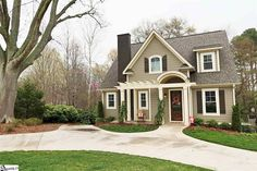 $767,900 | 307 Waccamaw Avenue, Greenville SC Home for Sale | MLS® #1297559 | Absolutely stunning, custom built in 2013, and on a half acre in Augusta Road!