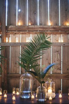 These single palm leaves in glass jars have us swooning!