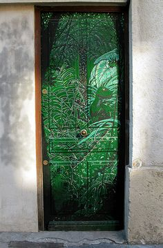 Painted door [Lyon, France]