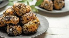 Kysnuté pupáky s makom Baked Potato, Muffin, Potatoes, Baking, Breakfast, Ethnic Recipes, Food, Poppy, Basket