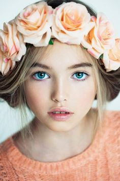 what a gorgeous flower girl with such subtle, beautiful makeup