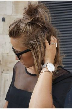 HALF-UP TOP KNOT HAIR INSPIRATION