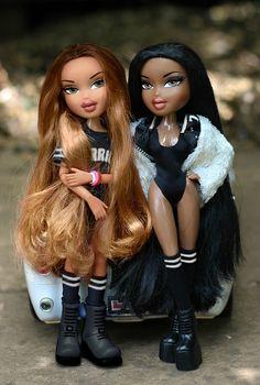 Beyonce & Nicki Minaj as Bratz Dolls Bratz Doll Makeup, Bratz Doll Outfits, Black Bratz Doll, Black Barbie, Brat Doll, Beyonce, Bratz Girls, Real Life Baby Dolls, Bad Girl Aesthetic