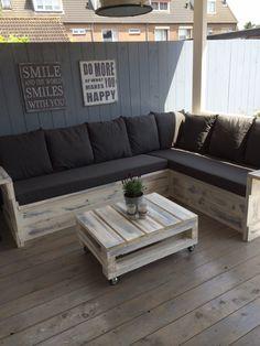 pallet ideas – New Ideas Pallet Patio Furniture, Diy Pallet Sofa, Outdoor Furniture Plans, Outside Furniture, Diy Furniture Projects, Outdoor Couch, Outdoor Decor, Palette Diy, Chill Room