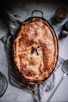 vegetarian wild mushroom thyme camembert and fennel pot pie for thanksiving christmas or cozy winter nights by Beth Kirby Local Milk Yummy Recipes, Vegetarian Recipes, Cooking Recipes, Recipes Dinner, Vegetable Recipes, Quiches, Empanadas, Vegetarian Thanksgiving, Good Food