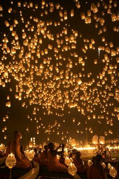 Visit Loy Krathong, the sky lantern festival in Thailand !  It inspired me so much ! - Lallou -