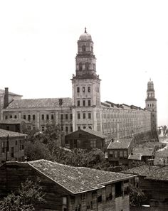 Selimiye Military Barracks and Wooden Houses, Istanbul, 1900s (Selimiye Kışlası ve Ahşap İstanbul Evleri)