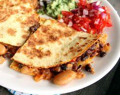 Trykk på bildet for oppskrift Quesadilla, No Bean Chili, Veggie Recipes, Veggie Food, Salsa, Food And Drink, Veggies, Vegan, Ethnic Recipes