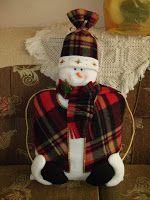 D'talles: COJINES Reno, Snowman, Outdoor Decor, Christmas Ornaments, Holiday Decor, Bella, Plaid Scarf, Home Decor, Christmas Decorating Ideas