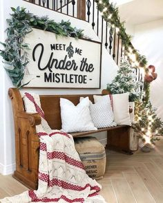 The most stunning farmhouse Christmas decor that is sure to give you fresh ideas and inspiration to use this holiday season! #ChristmasDecorInspiration #FarmhouseStyleChristmasDecorInspiration #BeautifulChristmasDecorInspiration