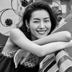 今天好困哦💤💤💤💤💤 我要睡喽😉晚安 #liuwen #liuwenlw #刘雯 #goodnight Liu Wen, Smile, Smiling Faces