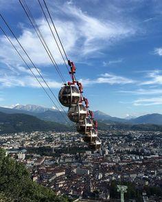 #Bulles 🚡🗻🏢🏡🌳☀️☁️ #Grenoble #Bastille #Isère #RhônesAlpes #France #BastilleGrenoble #LaBastille #MyCity #MyTown #CityOfLove #SunnyDay #BlueSky #Sun #Sunny #SunnySunday #Memories #Souvenirs #MaVille #InTheCity #NoFilter #BeautifulCity #BeautifulTown #ILoveGrenoble #GrenobleCity #Mountains #Montagnes #DepuisLeSommet #Telepherique #CableCar